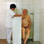 Transfereinheit - waschen des Patienten in der Nasszelle